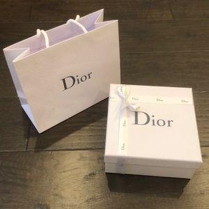 BN Dior Box with Ribbon and shopping bag